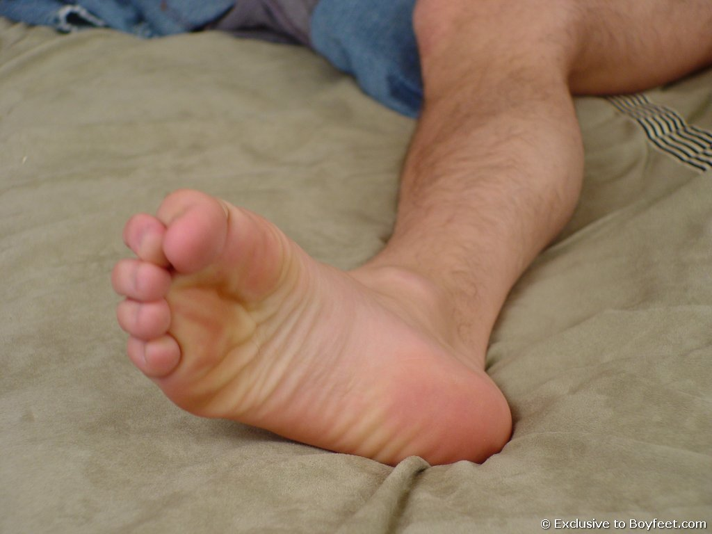 BOYFEET! the hottest twink foot site online!: http://www.boydollars.com/free-galleries/gay-porn-picture/boyfeet-26/